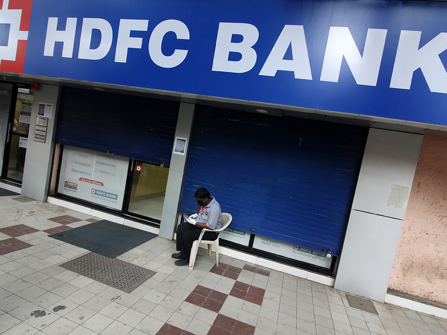 A leader slips: how HDFC Bank went from giving a market-beating outlook to facing a 'blind spot'