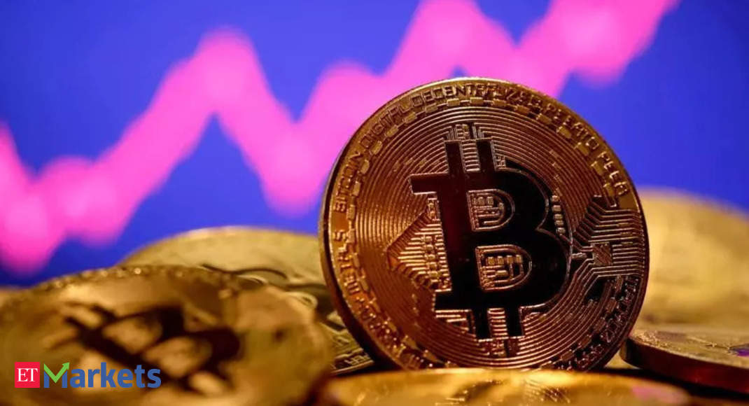 Bitcoin falls nearly 6% to $35,210; Ether drops 2.5%