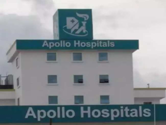 Apollo Hospitals begins vaccinating employees with Sputnik V