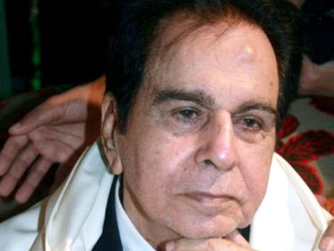 Dilip Kumar death news: Veteran actor Dilip Kumar, who enthralled India with 'Devdas'  &  'Mughal-e-Azam', passes away at 98;  Modi mourns 'cinematic legend'  - The Economic Times