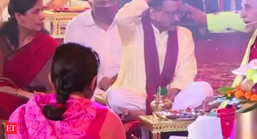 Ganesh Chaturthi: Delhi CM Arvind Kejriwal performs 'Puja' – The Economic Times Video