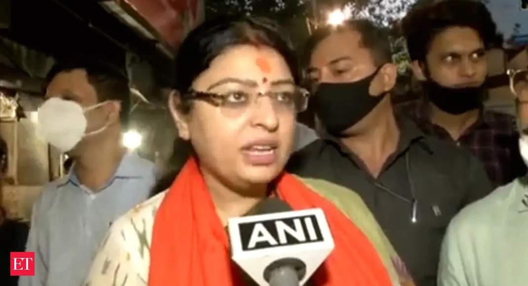 West Bengal by-polls: BJP candidate from Bhabanipur, Priyanka Tibrewal visits Kalighat Temple in Kolkata – The Economic Times Video