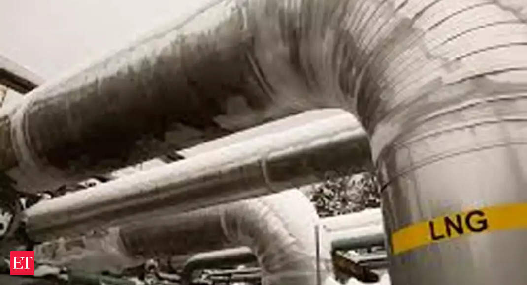 Petronet eyes fresh foray into petchem business; plans LNG import facility on east coast thumbnail