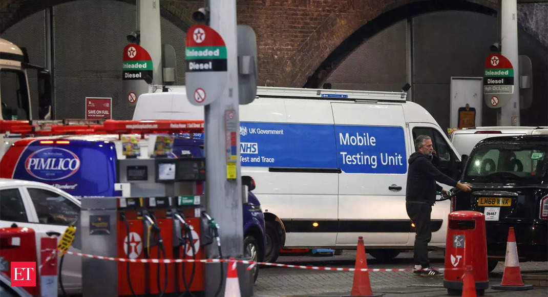 UK mulls calling in army to help ease gas shortages at pumps thumbnail