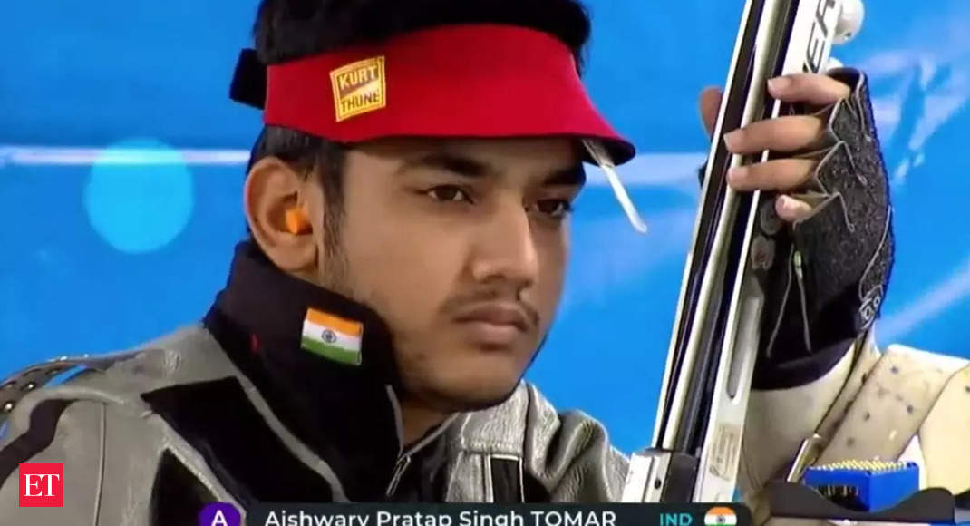 Shooter Aishwary Tomar smashes world record on way to gold in Junior World championship thumbnail