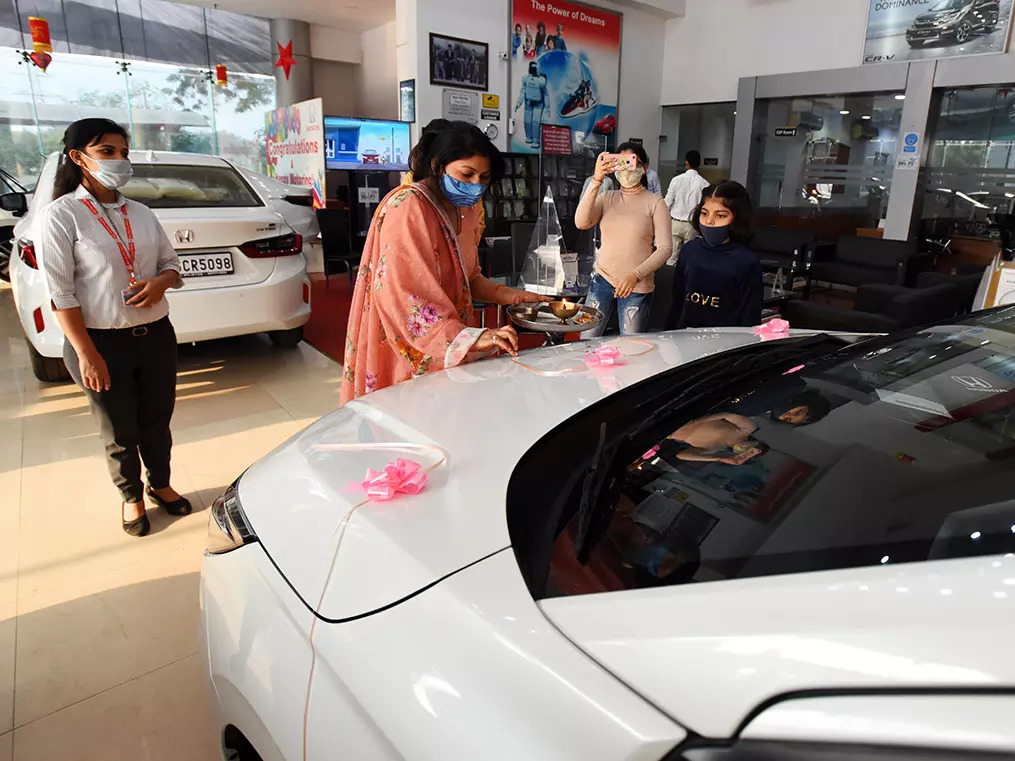 Auto sales may plunge 30% this festive season. But don't blindly point a finger at tepid demand.