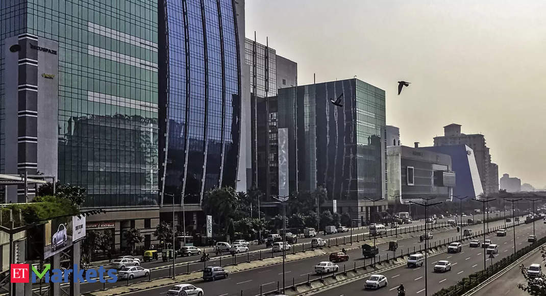 Realty adds shine, index surges 6% thumbnail