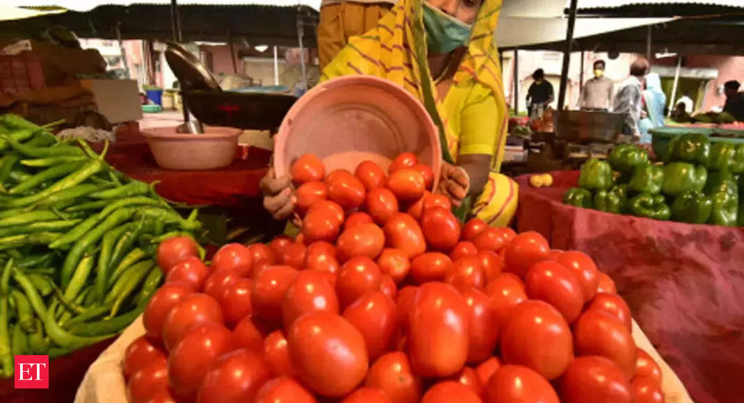 Tomato prices shoot up from Rs 10 to Rs 60 in Bengaluru thumbnail