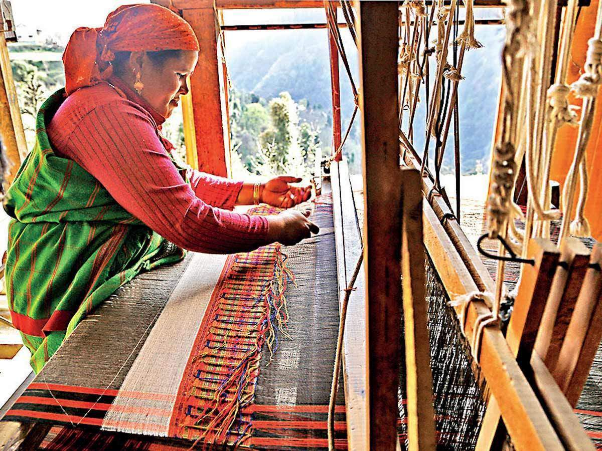 Social enterprises looking at innovative ways to revive handloom sector  post-lockdown - The Economic Times