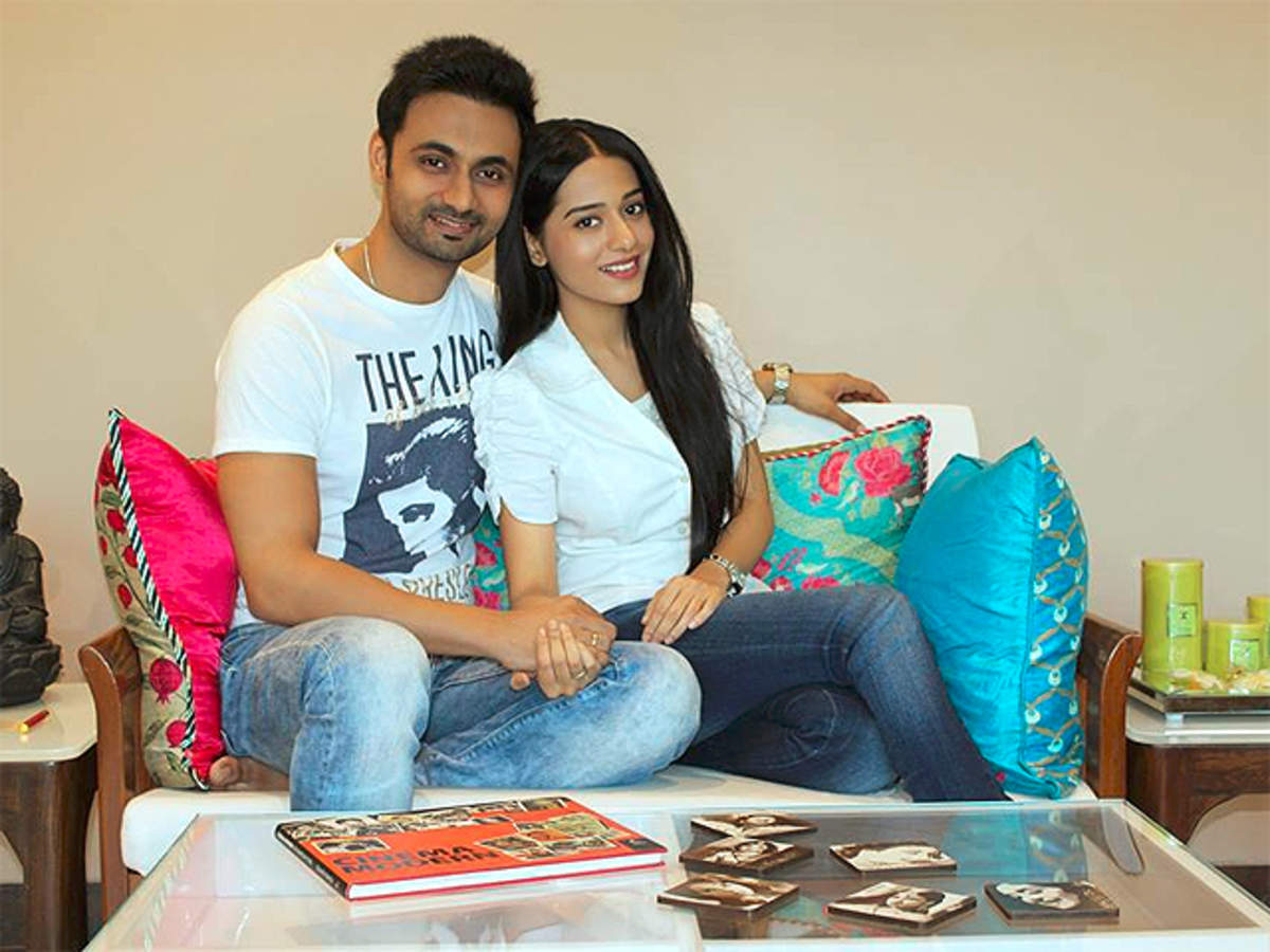 Amrita Rao gets married to RJ Anmol after seven years of dating - The  Economic Times