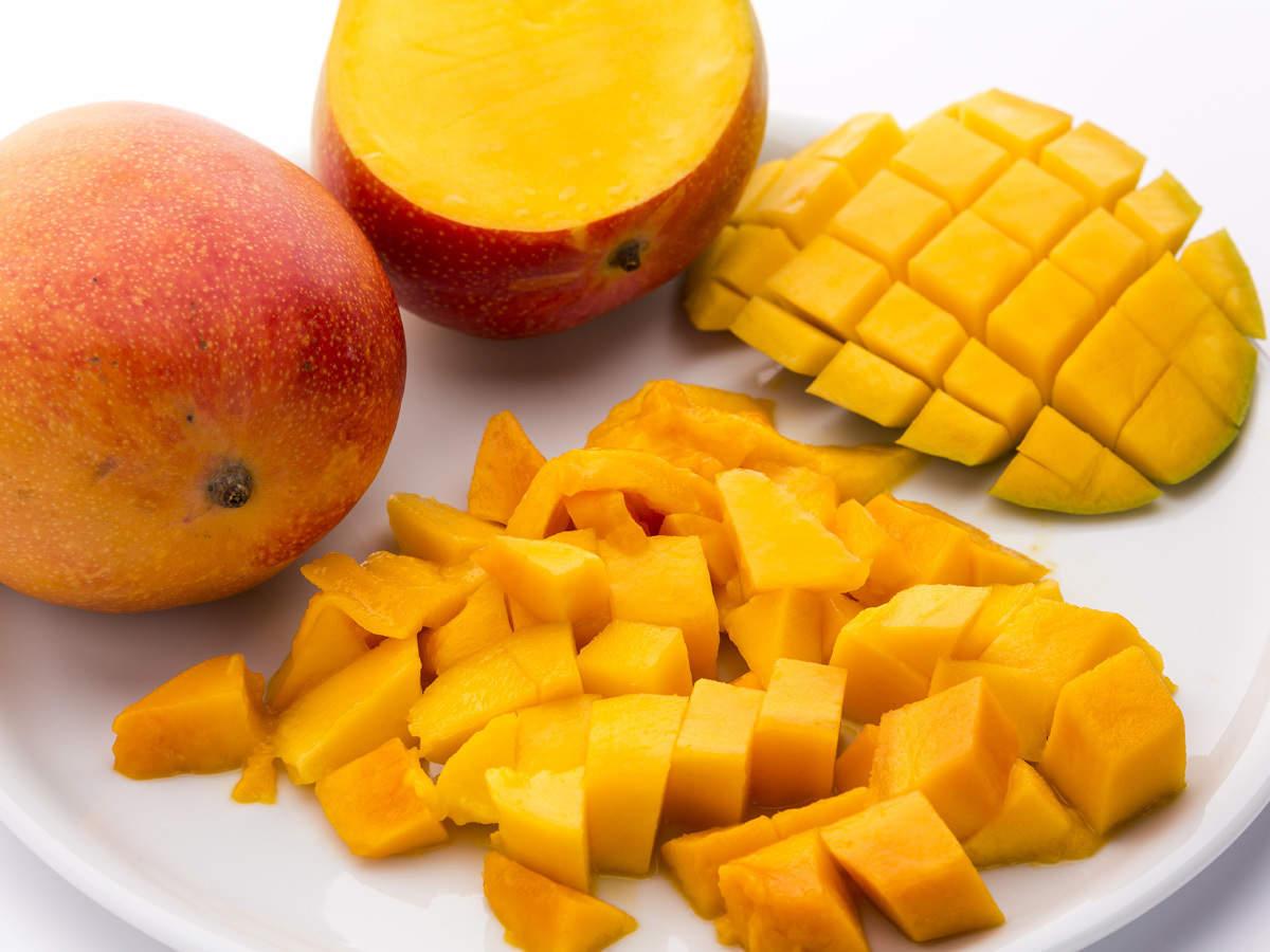 mango flavour: Mango mania: Bengaluru restaurants add fruity twist to  pakodas & curries; customers can't get enough - The Economic Times