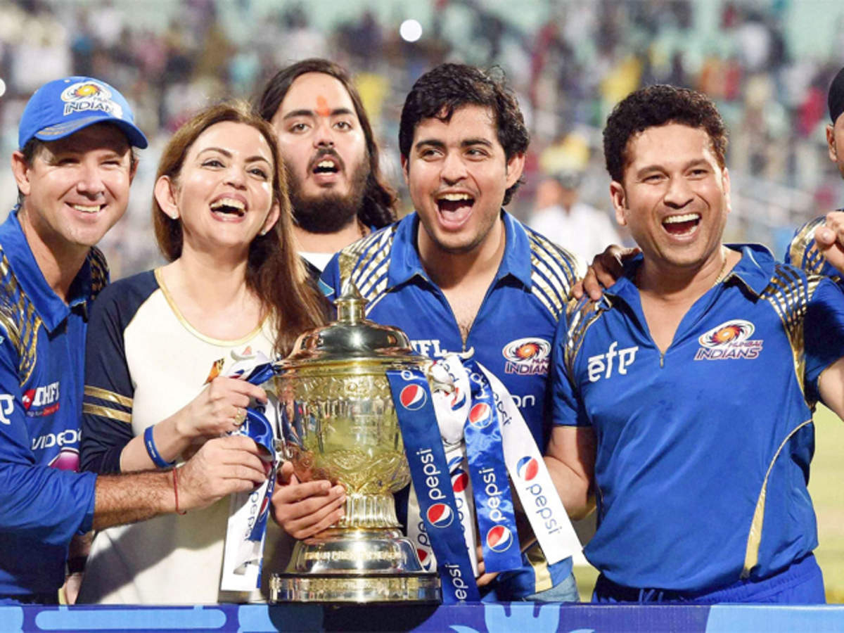 Mumbai Indians win IPL 2015 with 41-run win over Chennai Super Kings in  final - The Economic Times