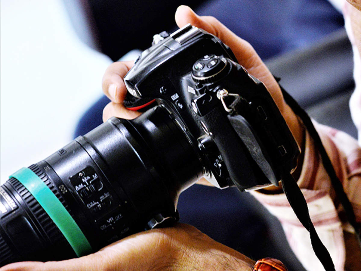 Dslr Camera Planning To Buy A Dslr Camera Here S A Crash Course On The Types And Lenses The Economic Times Dslr cameras all departments deals audible books & originals alexa skills amazon devices amazon pharmacy amazon warehouse appliances apps & games arts. dslr camera planning to buy a dslr