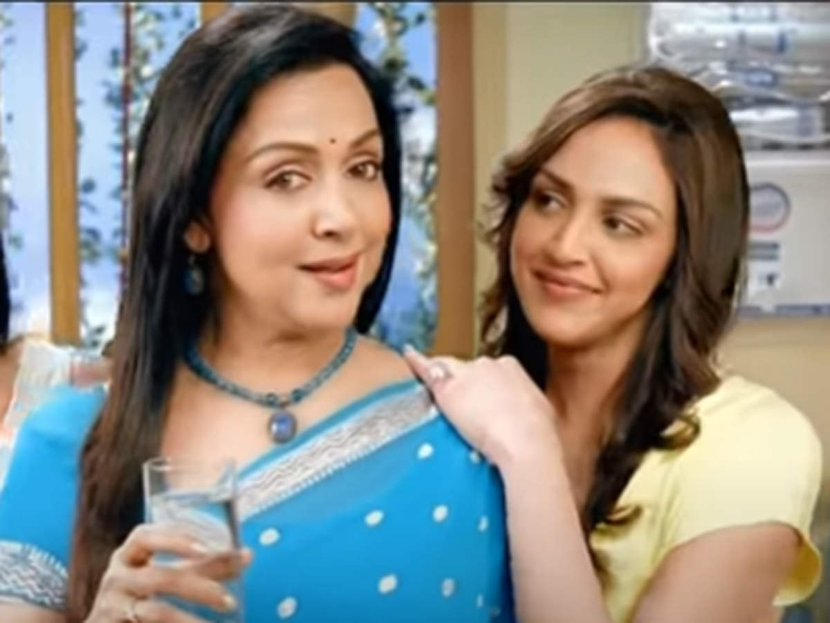 Kent Ro Systems Hema Malini Daughter Esha Issue Clarification Over Kent S Classist Ad Call It Inappropriate The Economic Times