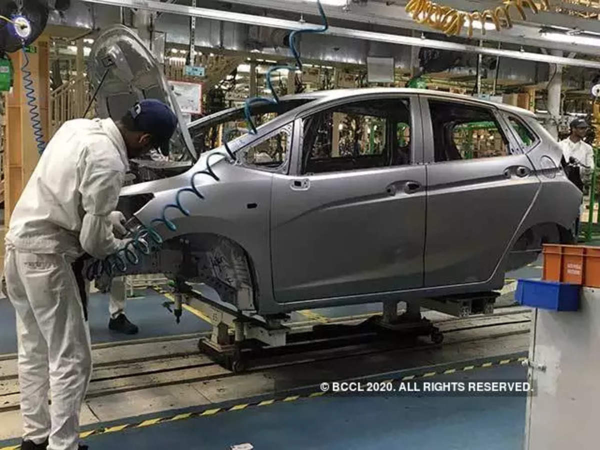 No Salary Cut During Lockdown Carmakers Hand Out Pay Hikes And Promotions To Workers The Economic Times