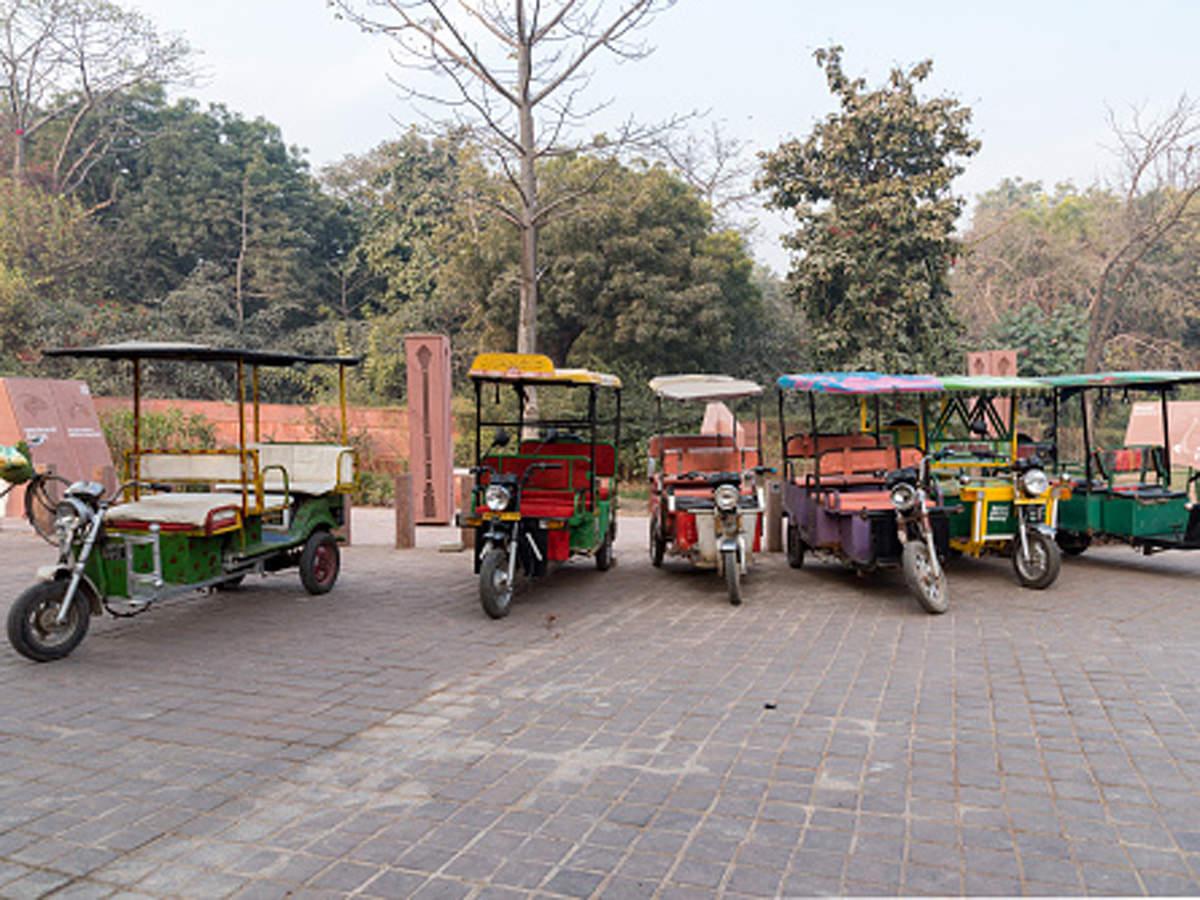 Sonu Sood decided to distribute electronic rickshaws (E-Rickshaws) to those in need, started by distributing e-rickshaws in Moga in Punjab.
