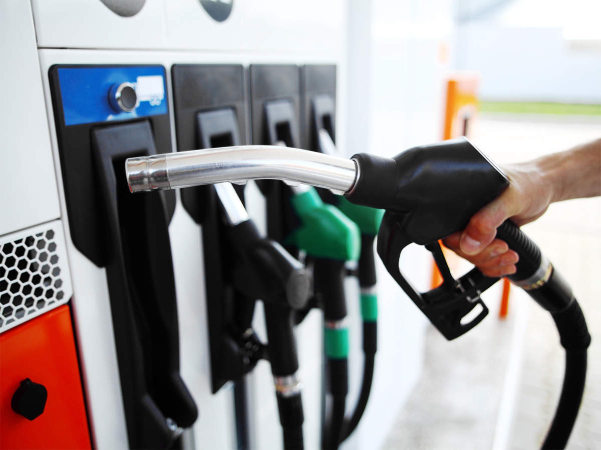 Petrol, diesel prices go for pause, relief likely ahead - The Economic Times