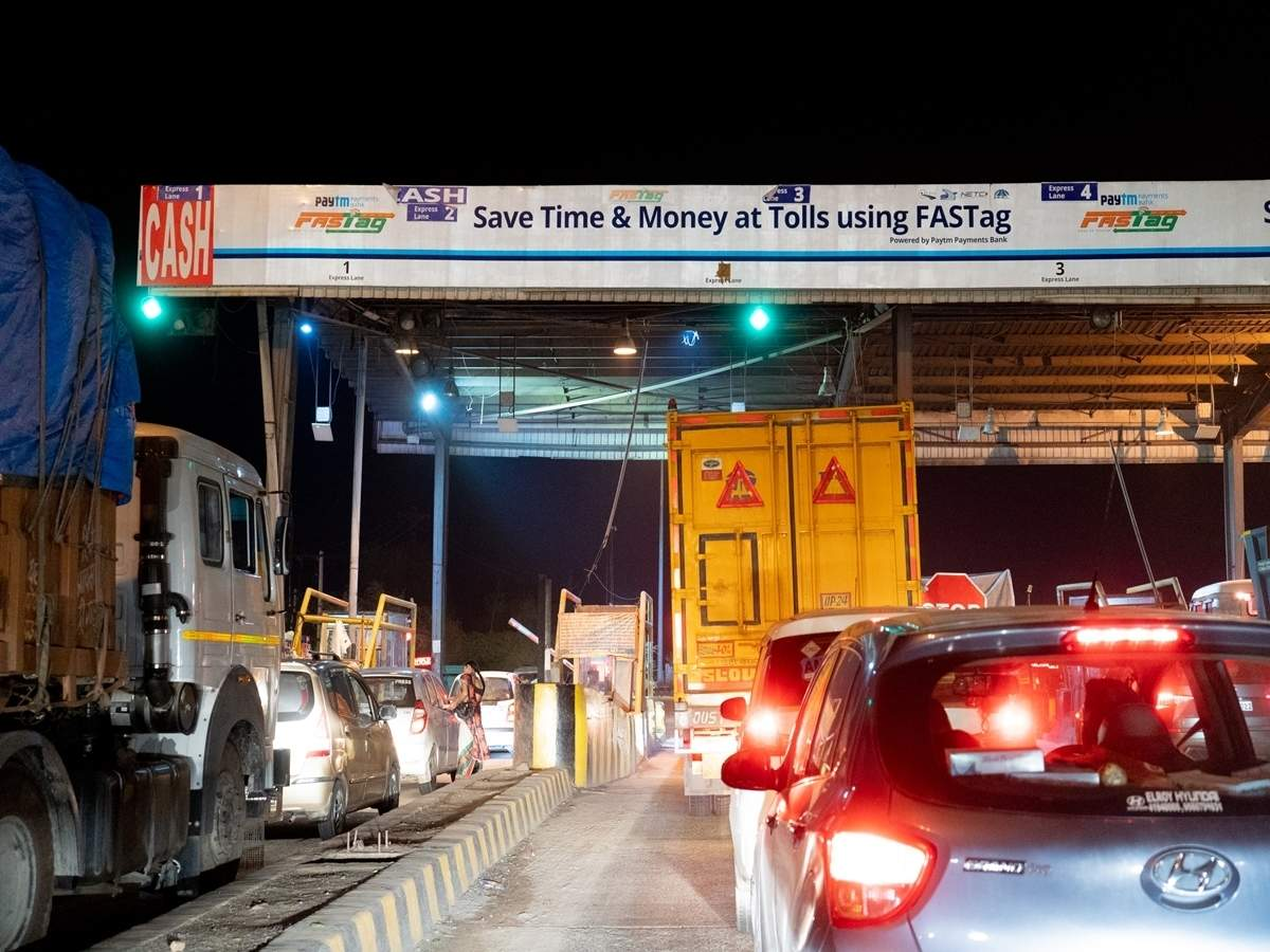 FASTag: Govt plans to make FASTag mandatory for buying third party vehicle  insurance from April 1, 2021 - The Economic Times