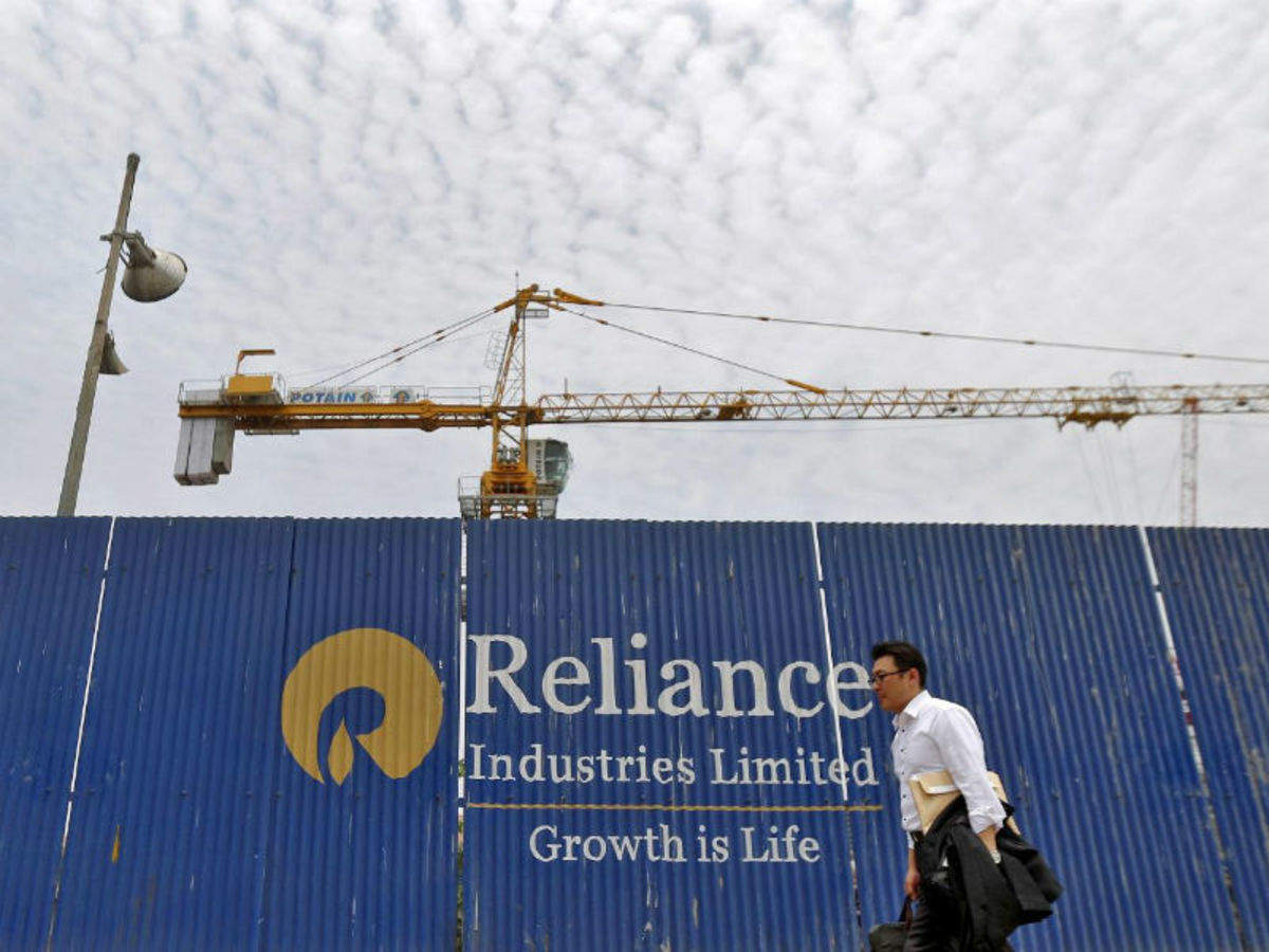 Ril Share Price Stock Market News Ril Shares Climbs Nearly 1 The Economic Times