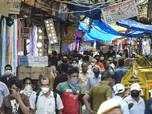 Delhi defies social distancing norms