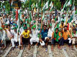 SKM calls for 'rail roko', wants MoS sacked