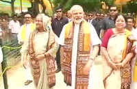 Watch: PM Modi meets his Bangladeshi counterpart Sheikh Hasina in West Bengal's Shantiniketan