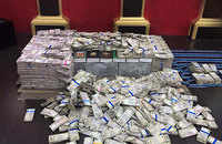 Mumbai: Demonetised currency worth Rs 4.93 Crore seized from a 5-star hotel, 3 arrested