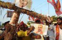 Bihar encephalitis deaths: Protesters demonstrate at Health Minister's residence