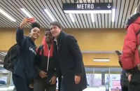 Watch: PM Trudeau greets supporters at metro station