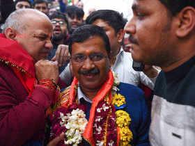 Watch: Victorious Arvind Kejriwal offers prayers at Hanuman Mandir in CP