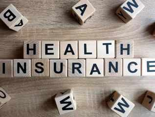 Health Insurance: मंथली EMI पर भी ले सकते हैं 1 करोड़ रुपये तक का हेल्थ इंश्योरेंस, यह कंपनी कर रही ऑफर