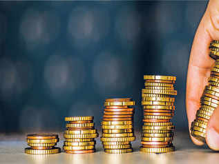 Individuals' investment in equity rose 30% in 2017-18, only 7% in FDs: Karvy report