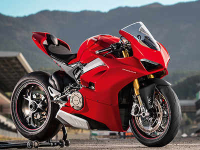 Autocar show: Ducati Panigale V4 S first ride review