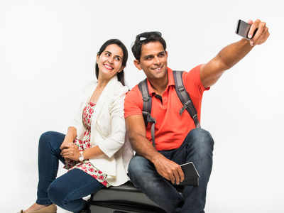 Obsessed with clicking and posting selfies? Watch out for risk of narcissism
