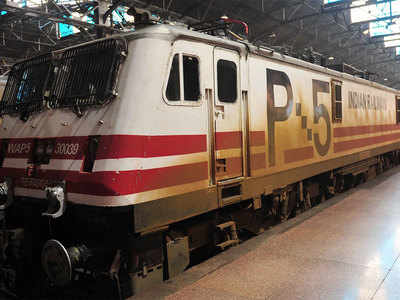Railways' 100-day plan: Cut travel time on Delhi-Howrah, Delhi-Mumbai routes