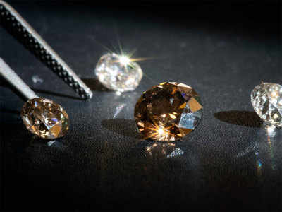 Lab Diamonds make retail inroads but trade rebels