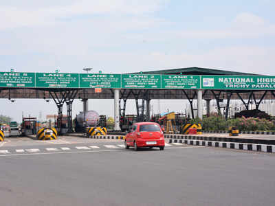 'Fuel, time worth Rs 12,000 crore wasted at toll plazas per year'