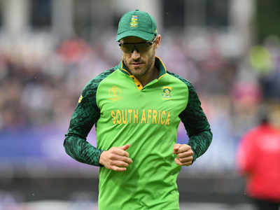 South African cricketers refuse to deal with board