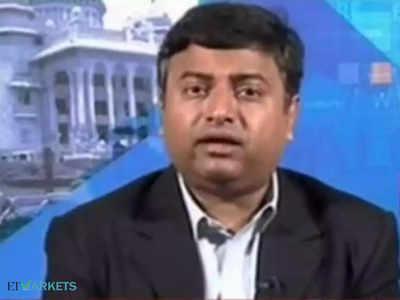 Buy SBI on dips, avoid aviation for now: Deepak Shenoy, Capital Mind