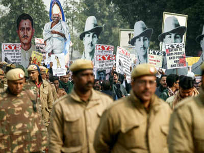 Anti-CAA: Group protests in Delhi over Chennai police incident; detained