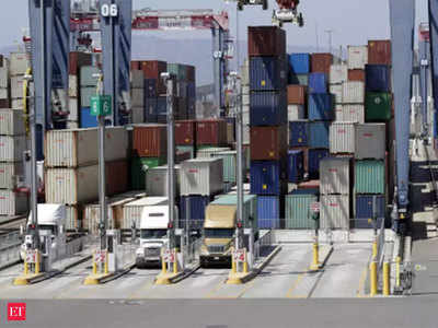Government extends foreign trade policy by one year
