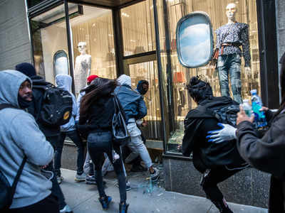 New York imposes curfew after excessive looting during Floyd's death protests
