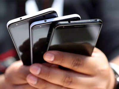 Barring Chinese telecom gear may be 'costly'