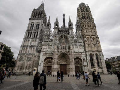 Old is gold: Notre Dame Cathedral to be rebuilt without modern touches