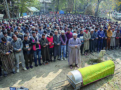 Hundreds attend funerals of three Kashmiri BJP leaders