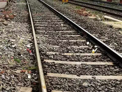 Two bogies of train derail in Lucknow