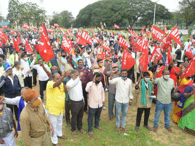 Central trade unions want ministry to put on hold four labour codes & re-start discussions