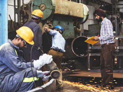 BMS asks govt to bring contract workers in smaller firms under the purview of labour codes