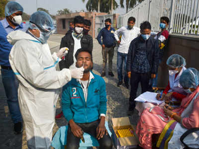 Containment measures, immunity, fewer outside patients behind fall in COVID cases in Delhi: Experts