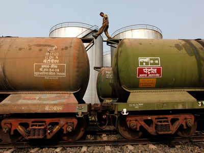 India shifts oil imports from Middle East to Africa, North America due to OPEC cuts